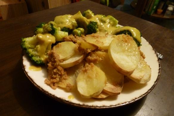 Foto van vleesbrood met aardappel en broccoli